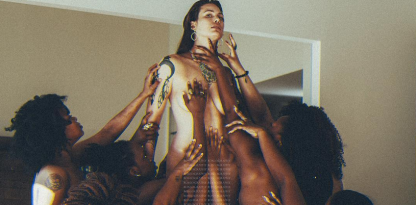This Photo Shows Black Women Worshipping A White Woman, Does This Offend U?