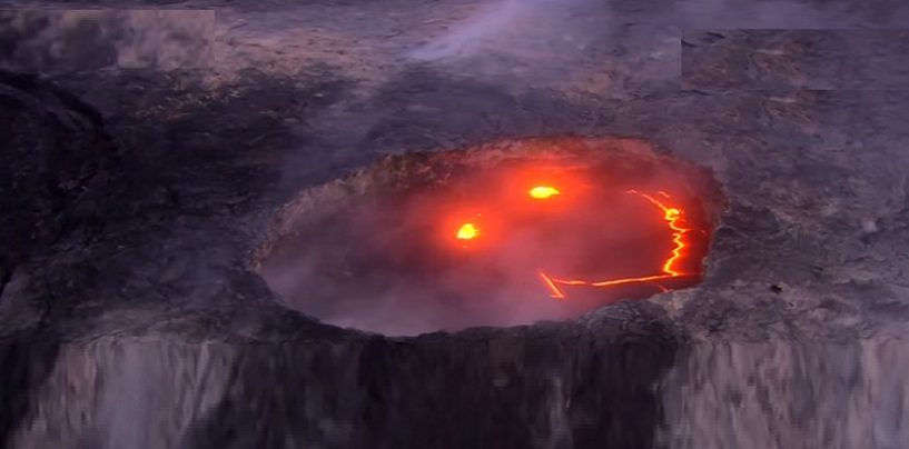 Breaking News! Hawaii Volcano 'Kilauea' Smiles Before It Erupts After Hundreds Of Earth Quakes Rock The Islands! (Video)